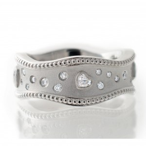 Wavey Heart Diamond Wide Band